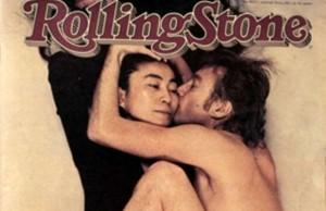 John Lennon and Yoko Ono kiss