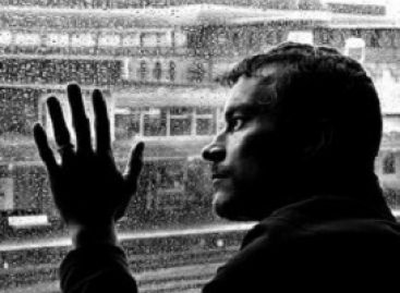 Depression Symptoms in Men and Easy Tips to Reduce Them
