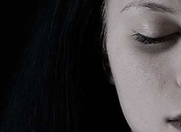 6 Warning Signs of Depression That Can Lead to Suicide