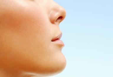 Maintains Radiant Skin